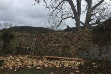 Restauration d'un mur – Château de Verna